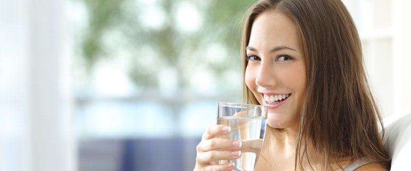 Jste to, co pijete. Víte, jaká voda vám teče z kohoutku a co v ní (ne)má být?