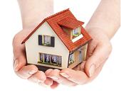 Prodej bytů v Praze zůstává na slušné úrovni