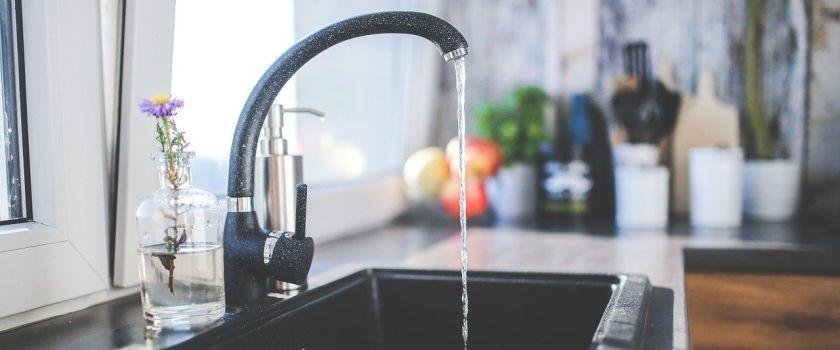 Vysoká spotřeba vody? Příčinou může být vadné potrubí i vodoměr